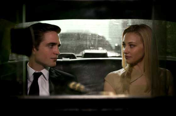 Robert Pattinson et Sarah Gadon dans Cosmopolis