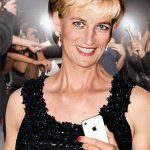 Lady Diana avec un iPhone